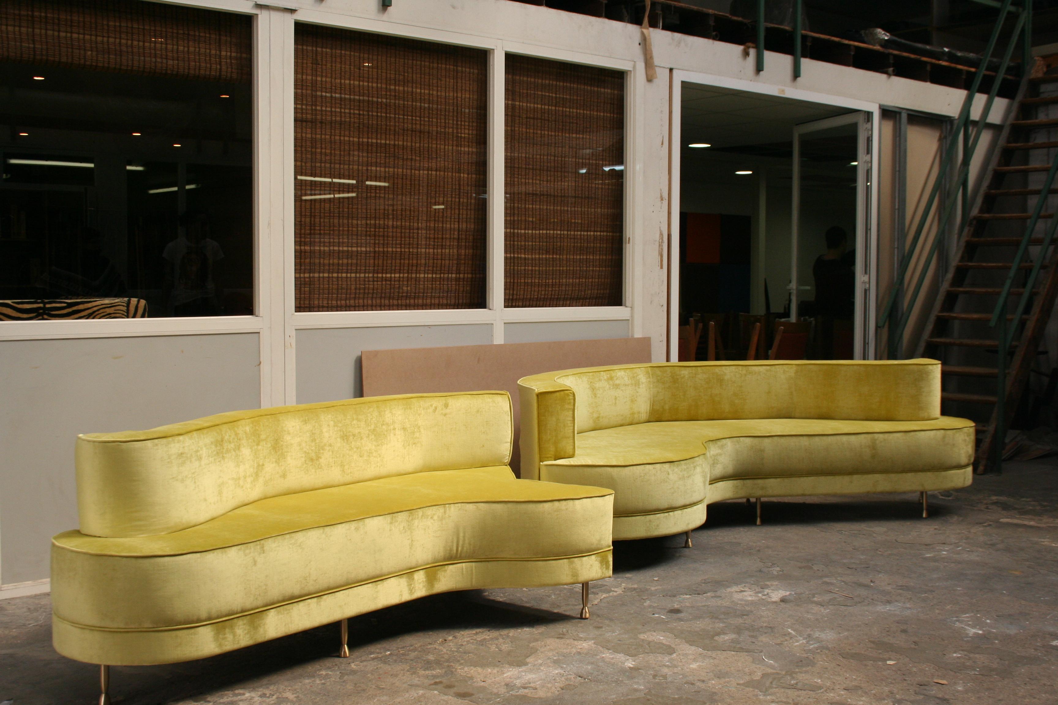 canap sur mesure haut de gamme en velours vert anis jplecomte tapisserie. Black Bedroom Furniture Sets. Home Design Ideas